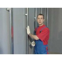 Монтаж профилей для гипсокартона и выравнивание стен.